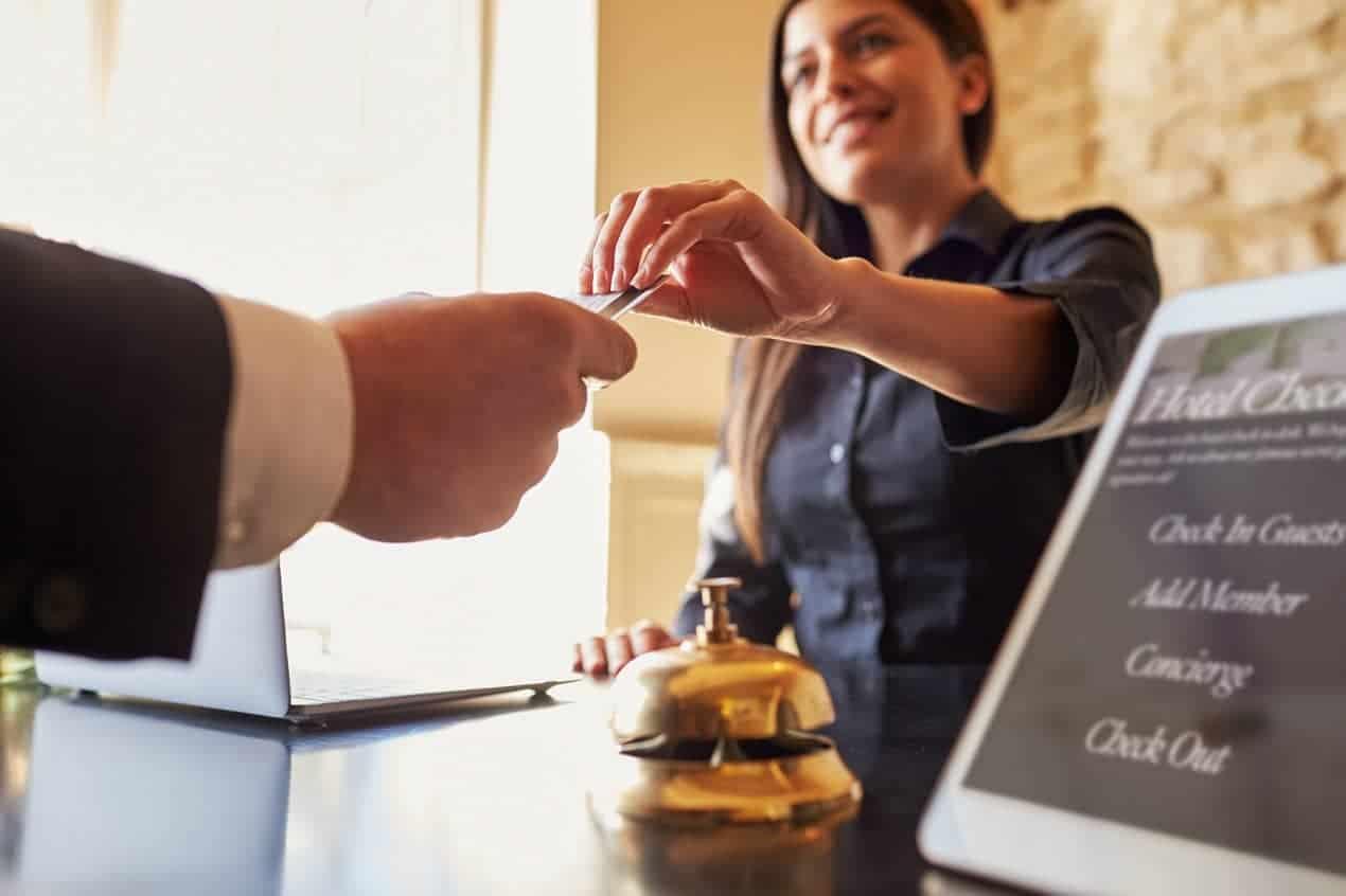 Koszty pobytu w hotelu. Od czego zależą?