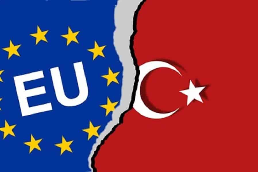 Turcja odpływa. Kierunek: Wschód