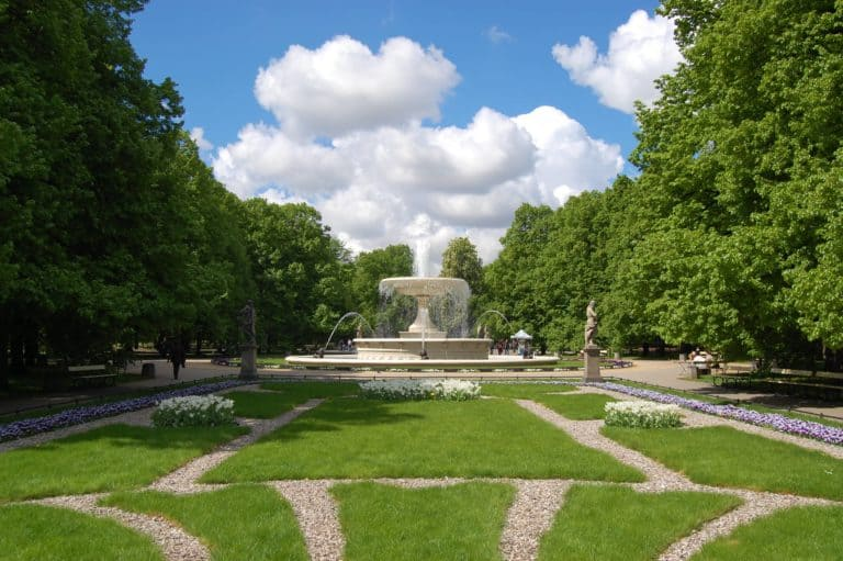 Warszawa – tanie noclegi i plan na jesienny spacer