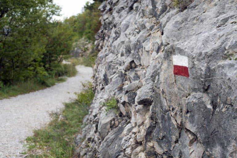 Oznakowanie szlaków turystycznych – poradnik