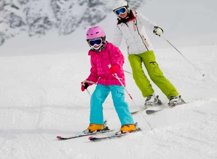 Szkoła narciarska – jak wygląda nauka jazdy?