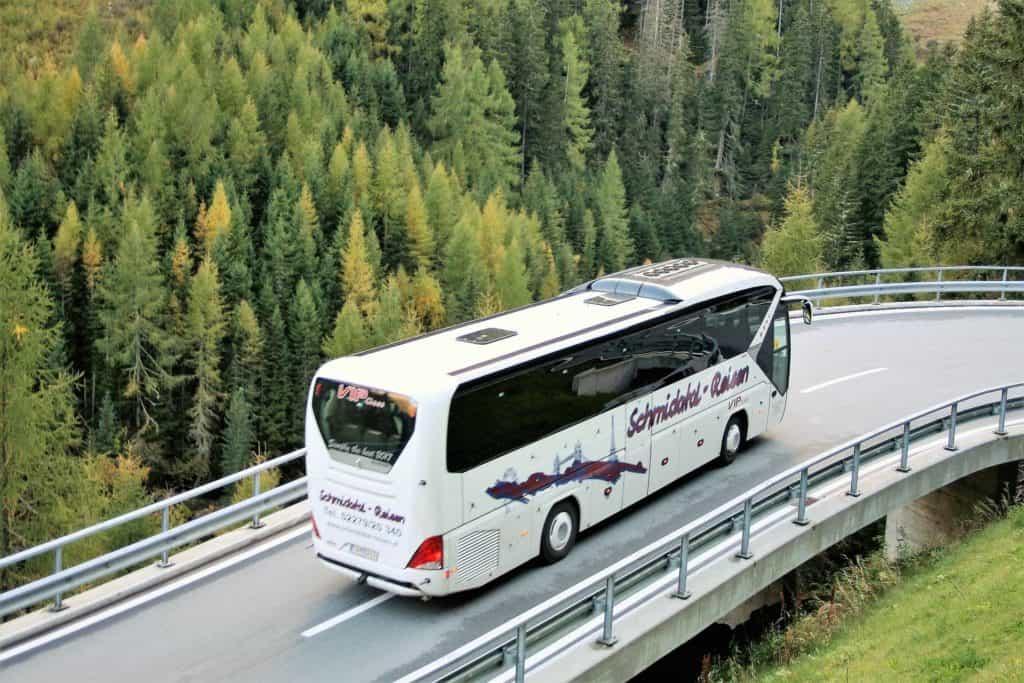 Czy wycieczki autokarowe to już przeżytek?