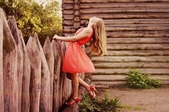 Sukienka na osiemnastkę – co warto wiedzieć?