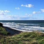 Bezpieczne wakacje z dziećmi nad Bałtykiem