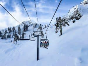 Ubezpieczenie turystyczne. Jak wybrać ubezpieczenie na narty?